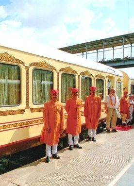 palace on wheels slider