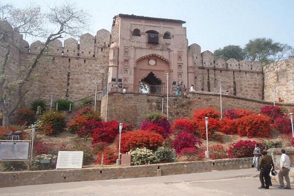 Chauri Chaura Shaheed Smarak and Jhansi Fort